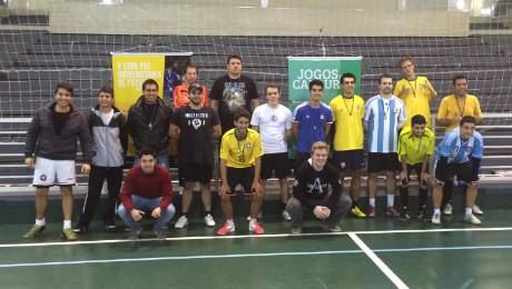 Finais de futsal masculino e feminino foram marcadas por partidas bem equilibradas