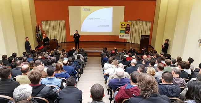 Instituição tem à disposição das empresas professores e especialistas que podem realizar palestras aos funcionários