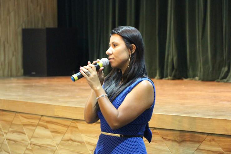 A Escola Municipal João Cândido de Oliveira, parceira da FAE na ação solidária, foi representada pela diretora Patrícia Dziado.
