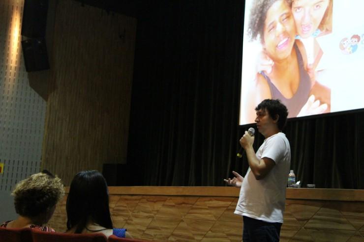 O Pequeno Cotolengo, parcerio da FAE na ação solidária, foi representado pelo coordenador Felipe de Goes Silva.