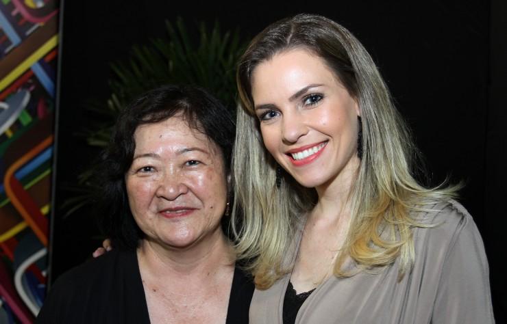 Ângela Hirata (Alpargatas S/A) e Marília Rogacheski (Coordenadora Marketing e Comunicação FAE)