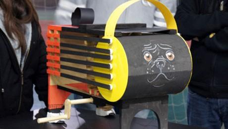 Quatro equipes reproduziram duas invenções de Leonardo da Vinci, o Tambor Mecânico e o Barco a Pedal. Confira.