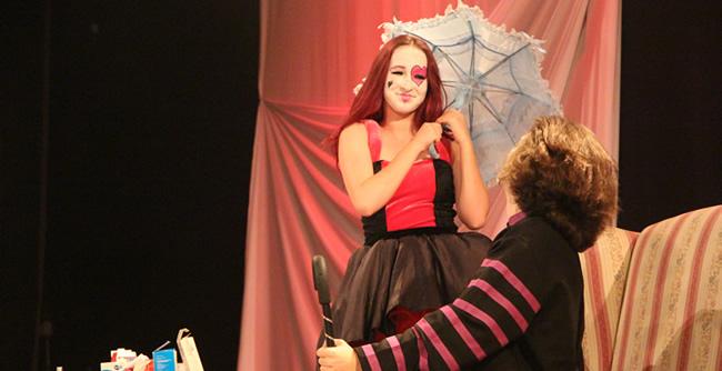 Grupo de Teatro da FAE apresenta a sua versão da clássica comédia escrita por Molière