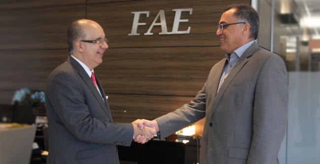 Objetivo é ampliar parcerias com instituições de ensino superior do Paraná