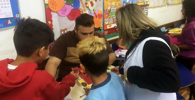 FAE e NeuroBanco promovem atividades de educação social e financeira com alunos de escola municipal de São José dos Pinhais