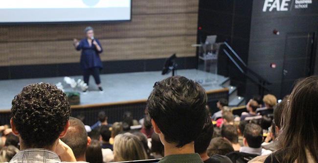 FAEx convida especialista em carreira para falar sobre o tema