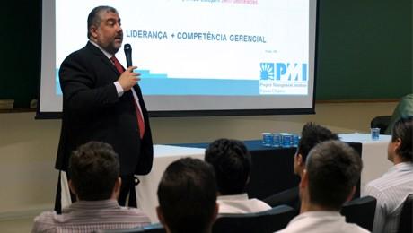 Evento do PMI PR, apoiado pela FAE, forneceu dicas para ampliar a performance gerencial.