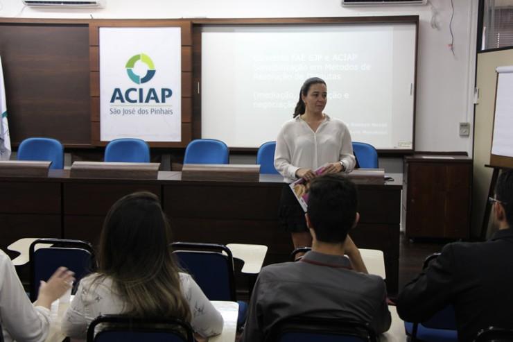 Julienne Perozin Garofani, coordenadora da Câmara Setorial de Advogados da Aciap.
