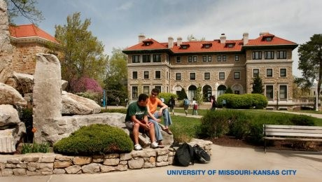 Acordo prevê programas para aperfeiçoamento da língua inglesa na University of Missouri-Kansas City