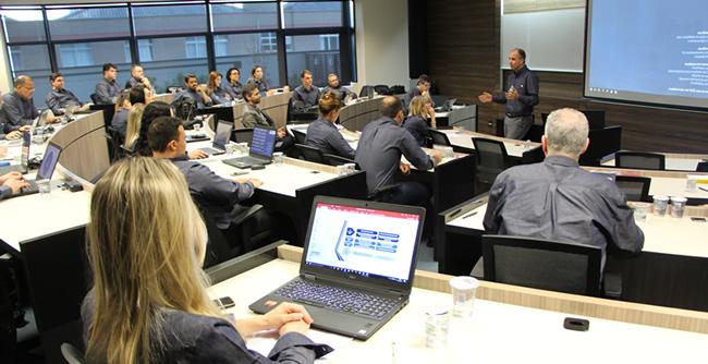 Consultora de fundos de investimentos conclui segundo programa de ensino com a FAE Business School