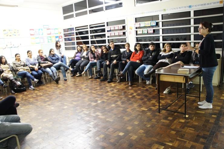 """Workshop """"Jogos Dramáticos no Ensino de Línguas – Parte I""""."""