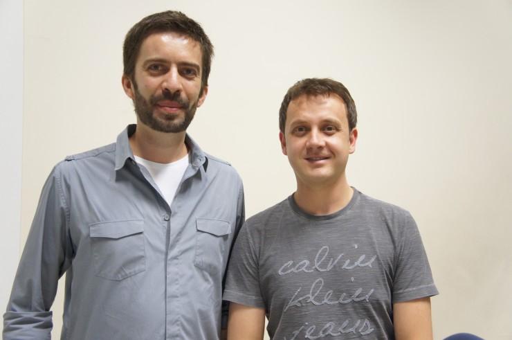 """Palestra """"O silêncio do vampiro"""", o jornalista Luiz Andrioli e o coordenador do curso Rogério Tomaz."""