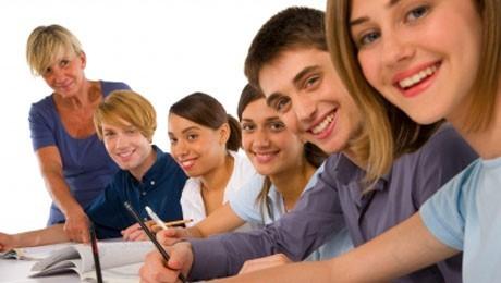 Alunos, professores e funcionários da FAE podem eleger seu pares para cargos de representação