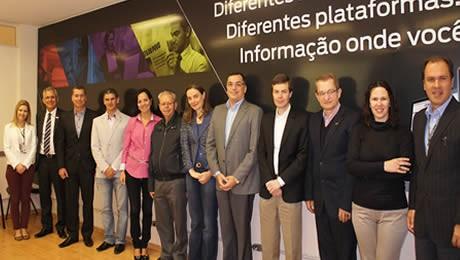 Gestores da AFESBJ e do GRPCOM participaram de uma reunião sobre o atual cenário da imprensa em relação à educação paranaense.