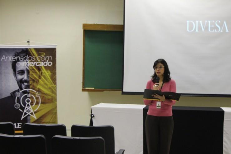 Flavia Leticia Soares e Silva, coordenadora do curso de Administração da FAE.