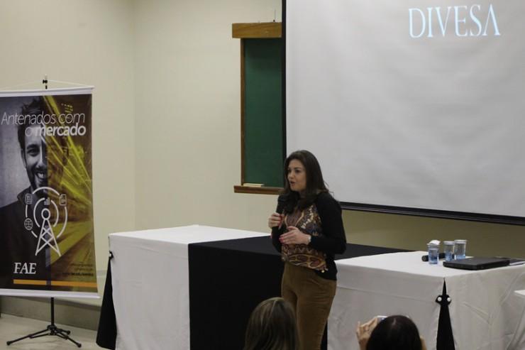 Elaine de Paula, gerente de Marketing do Grupo Divesa Paraná
