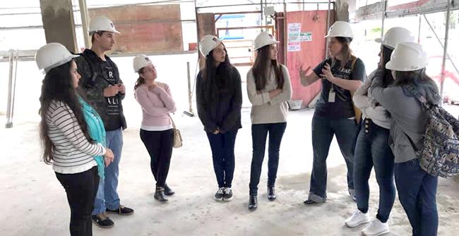 Estudantes do curso de Arquitetura e Urbanismos da FAE realizaram visita técnica ao novo prédio sustentável do Sinduscon-PR