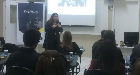Ciclo de palestras apresenta temas de relevância no mercado para alunos e empresários de São José dos Pinhais
