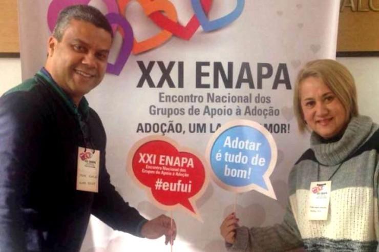 Os professores Marinho e Fabiana Kodota registrando sua participação no evento