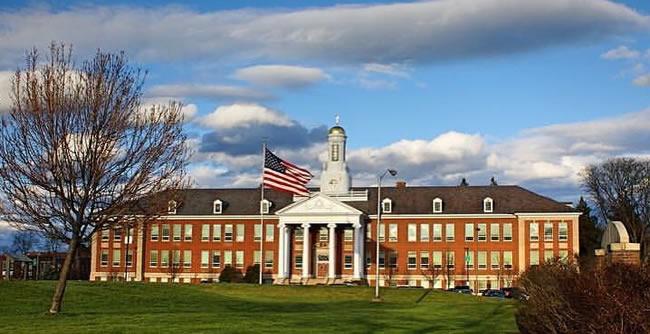 São várias opções em instituição de ensino nos Estados Unidos, Alemanha, Itália Canadá e Argentina