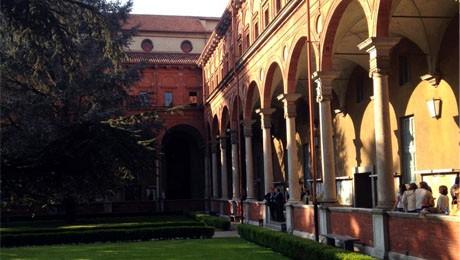 Pesquisa realizada pela coordenadora de Administração da FAE é apresentada em congresso realizado em Milão.