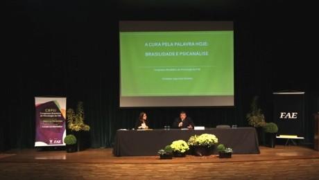Evento contou com mais de 50 trabalhos acadêmicos e a presença de profissionais renomados na área