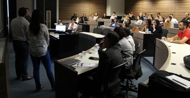 Alunos da pós-graduação apresentaram projetos com base em cases reais