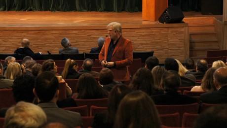 FAE Business School e Esade reúnem executivos para palestra do argentino Pablo Heinig.