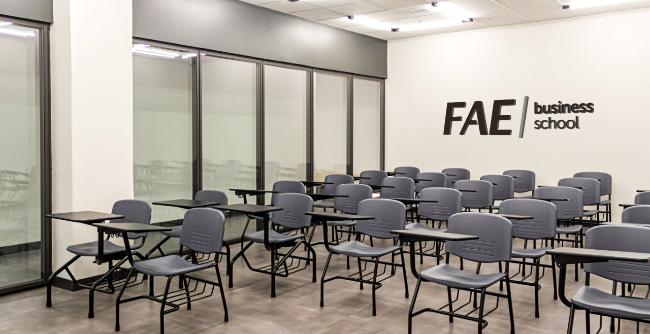 Uma das mais reconhecidas escolas de negócios do País está oferecendo oito cursos nas novas instalações, entre especializações on-line e presenciais, MBAs executivos e in company