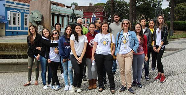 Visitas guiadas a algumas das principais construções arquitetônicas da cidade reuniram estudantes e profissionais de Arquitetura