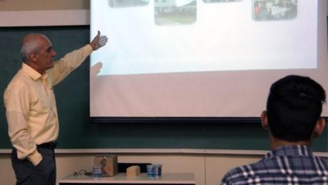 Curso de Tecnologia em Gestão de Recursos Humanos recebe Rommel Barion para falar sobre negociações e conflitos sindicais.