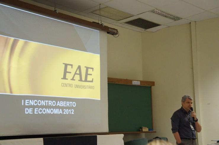 I Encontro Aberto de Economia reúne especialistas de várias regioes do Brasil.