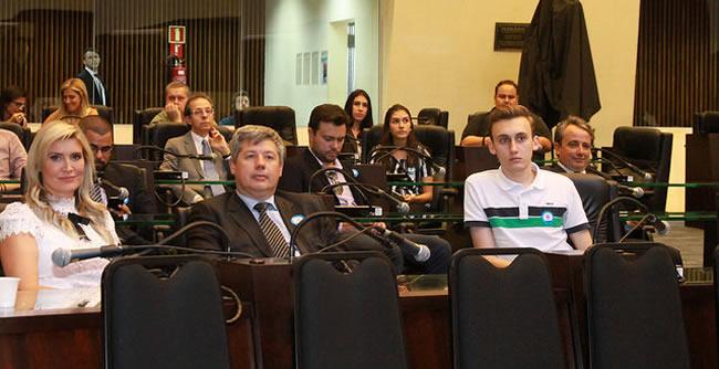 Alunos de Administração participam do I Seminário Estadual de Gestão Inteligente e Inovação