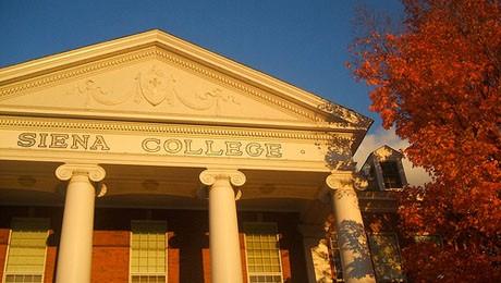 Parceria com Siena College beneficia alunos e ex-alunos de Ciências Contábeis.