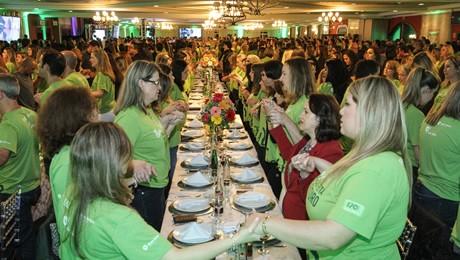 Jantar comemorativo reuniu dois mil funcionários do Grupo Educacional Bom Jesus.