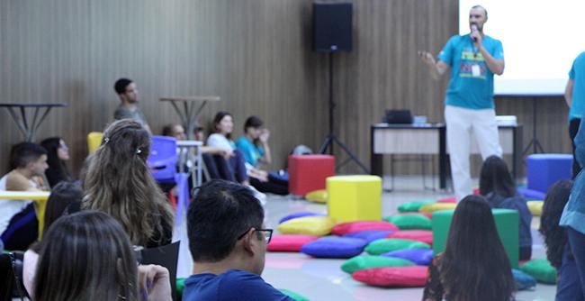 Participantes concorreram a bolsas de estudos