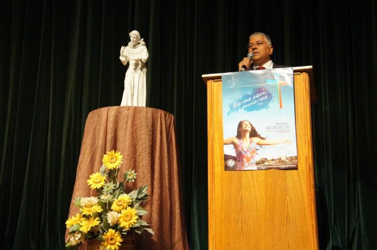 O presidente da Câmara de Educação Superior do Conselho Nacional de Educação, professor Dr. Frei Gilberto Garcia, realiza palestra para docentes FAE.