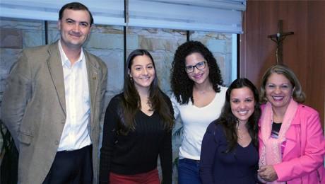 Alunas da FAE são selecionadas no programa Bolsas Ibero-Americanas 2015.