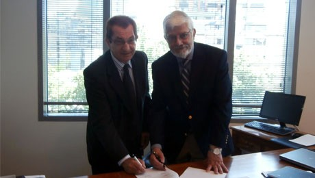 FAE assina convênio com a Universidad Andrés Bello, a maior universidade privada do Chile.