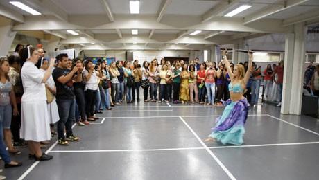 Ingressantes de Pedagogia realizam evento no Prédio I da FAE Centro Universitário.