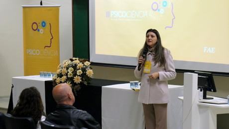 Ciclo de debates, paineis e palestras promoveram enriquecimento curricular para acadêmicos de Psicologia.