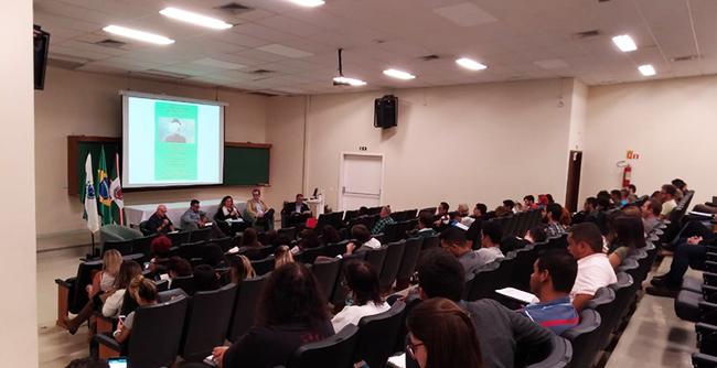 Curso de Filosofia da FAE promove bate-papo com estudiosos da Alemanha, Brasil e México