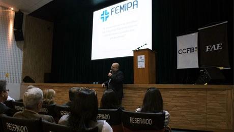 Evento, que reuniu profissionais da área e autoridades, também marcou a abertura das inscrições para o vestibular do tecnólogo em Gestão Hospitalar.