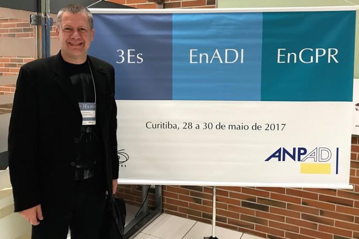 Professor Luis André Werneck Fumagalli no evento 3Es, da ANPAD, onde apresentou o artigo de Rafael Holtz Betiol.