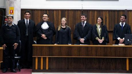 Alunos da FAE saem vitoriosos no embate judicial.