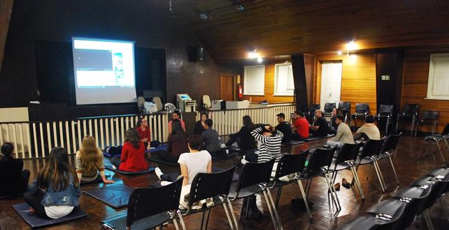Pastoral Universitária e a Arte de Viver promovem aos alunos uma aula de meditação