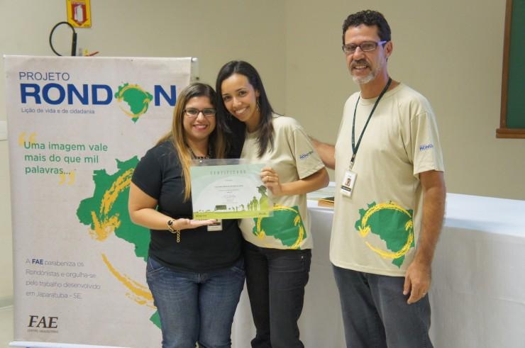 Mariana Prado Mueller (Núcleo de Extensão), Uildilene Carvalho de Freitas Leoni (Design), Marco Antonio R. Pedroso (coordenador do curso de Design e coordenador do Projeto Rondon na FAE).