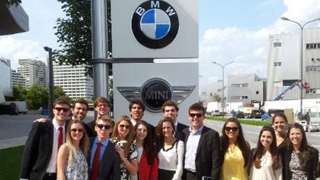 Alunos do MEP retornam de viagem internacional e celebram a realização de networking.
