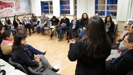 Melhores alunos do curso de Administração da FAE Centro são parabenizados pela Reitoria.
