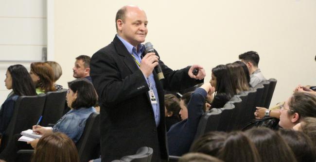 Alunos da FAE analisaram a trajetória de vida de Francisco de Assis como modelo para profissionais da carreira docente